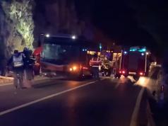U Dubrovniku se sudarili auto i autobus, jedna žena ozlijeđena