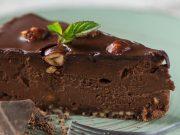 Zdravi, sirovi, paleo tart od čokolade i lješnjaka