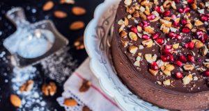 DANAS RADIMO KREMASTU TORTU OD ČOKOLADE I LJEŠNJAKA: Jedini slatki recept koji ćete trebati ove godine!