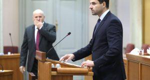 Bernardić zbog krize u Saboru zatražio raspisivanje izbora