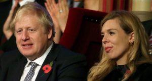 'ODUŠEVLJENI SU' Britanski premijer Johnson i njegova djevojka čekaju prvo dijete, zaručili su se