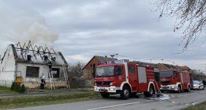 Gorjela kuća u Osijeku: Bila je na prodaju, nitko nije bio u njoj