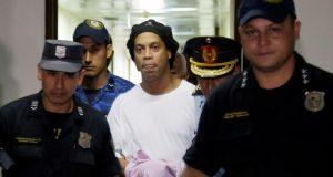 Ronaldinhov odvjetnik o svome klijentu: On je naivna budala, ne zna što radi