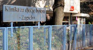 PRIČA KOJA VRAĆA VJERU U LJUDE Kontrolor Zagrebparkinga jednu majku dirnuo u srce: 'Drugi bi se samo okrenuli i otišli. Eto, ima još dobrih ljudi'