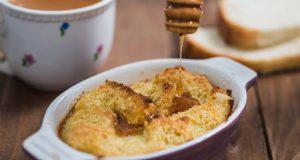JEDNOSTAVAN RECEPT KOJI ĆETE OBOŽAVATI: Iskoristite stari kruh i napravite brzi puding!