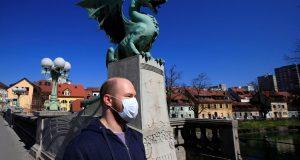 Koronavirus: Slovenski novinari prosvjedovali protiv velikog smanjenja subvencija za medije