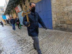 USKRS KAKAV SE NE PAMTI U JERUZALEMU, BAZILIKA SVETOG GROBA JE ZATVORENA Umjesto tisuća hodočasnika, u mini procesiji sudjelovala samo 4 svećenika