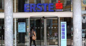 Erste banka počela s mjerama: Građanima lakše do 6 mjeseci