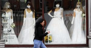 Dopuštene i svadbe: Sto ljudi u zatvorenom, 300 na otvorenom