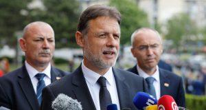 JANDROKOVIĆ POLICIJI PRIJAVIO PRIJETNJE SMRĆU U njegovom uredu smatraju: 'To je izravna posljedica jučerašnjih Bernardićevih uvreda'