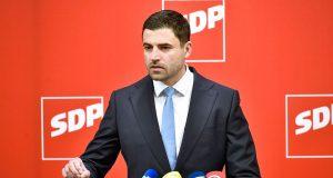BERNARDIĆ JANDROKOVIĆA NAZVAO REKTALNIM ALPINISTOM 'Ako se Plenković skriva iza Njonje, SDP neće. Dosta je torture, ne smijemo biti talac ZDS-a'