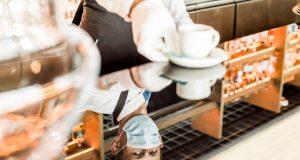 PREPORUKE ZA HOTELSKI SEKTOR I ZDRAVSTVENI PROTOKOLI Educirati osoblje hotela da prepoznaju simptome, izbjegavati švedski stol