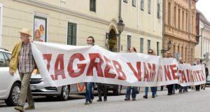 FOTO: 'ZAGREB VAM OVO NEĆE ZABORAVITI!' Ogorčeni čelnici stranaka ljevice prosvjeduju na Markovu trgu, najavljuju da će tamo ostati do sutra