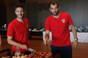 EURO 2020 Andrej Kramarić i Mile Škorić proslavili rođendan uoči ključne utakmice sa Škotskom