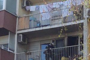 Požar u Zagrebu: Gorio balkon, vatrogasci spašavali staricu