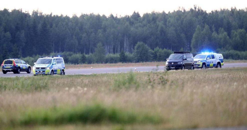 Devetero ljudi poginulo u padu manjeg aviona u Švedskoj
