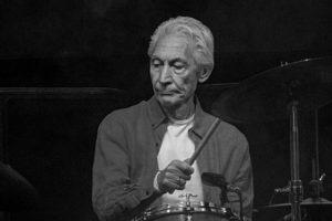 U 81. godini umro je bubnjar Rolling Stonesa Charlie Watts
