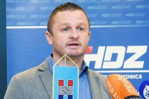 Bivšem dožupanu Rosavcu sudit će jer je prijatelju 'nabrijao' Audi A4 na račun županije